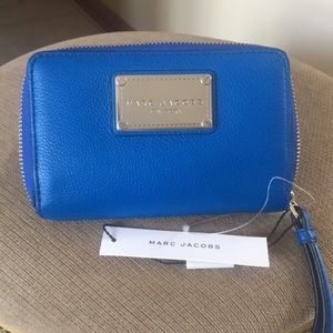 Marc Jacobs wallet wristlet, new with tag